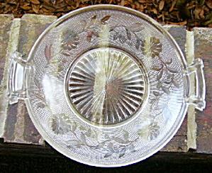 Dahlia Handled Plate (Image1)