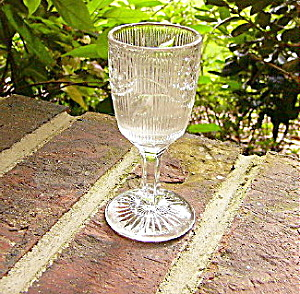 Bellflower Flint Glass Wine (Image1)