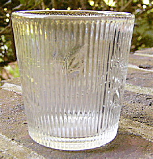 Ribbed Ivy Flint Whiskey Tumbler (Image1)
