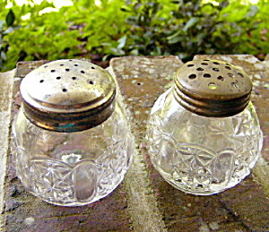 Cottage Salt Shakers � pair (Image1)