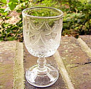 Teardrop and Tassel Wine (Image1)