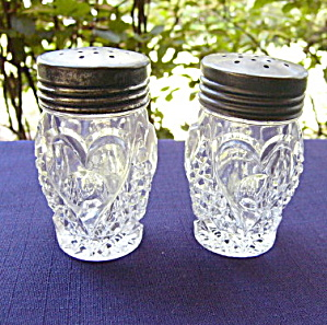 Heart With Thumbprint Salt Shakers (Pair)