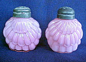 Cased Pink Shell Overlapping Shakers - Pair (Image1)