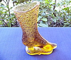 Amber Boot Novelty Bouquet Holder (Image1)