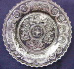 Click here to enlarge image and see more about item 4216: Sandwich Acorn Plate Trefoil Center