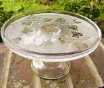 Click here to enlarge image and see more about item 5809: Ivy in Snow Cake Stand