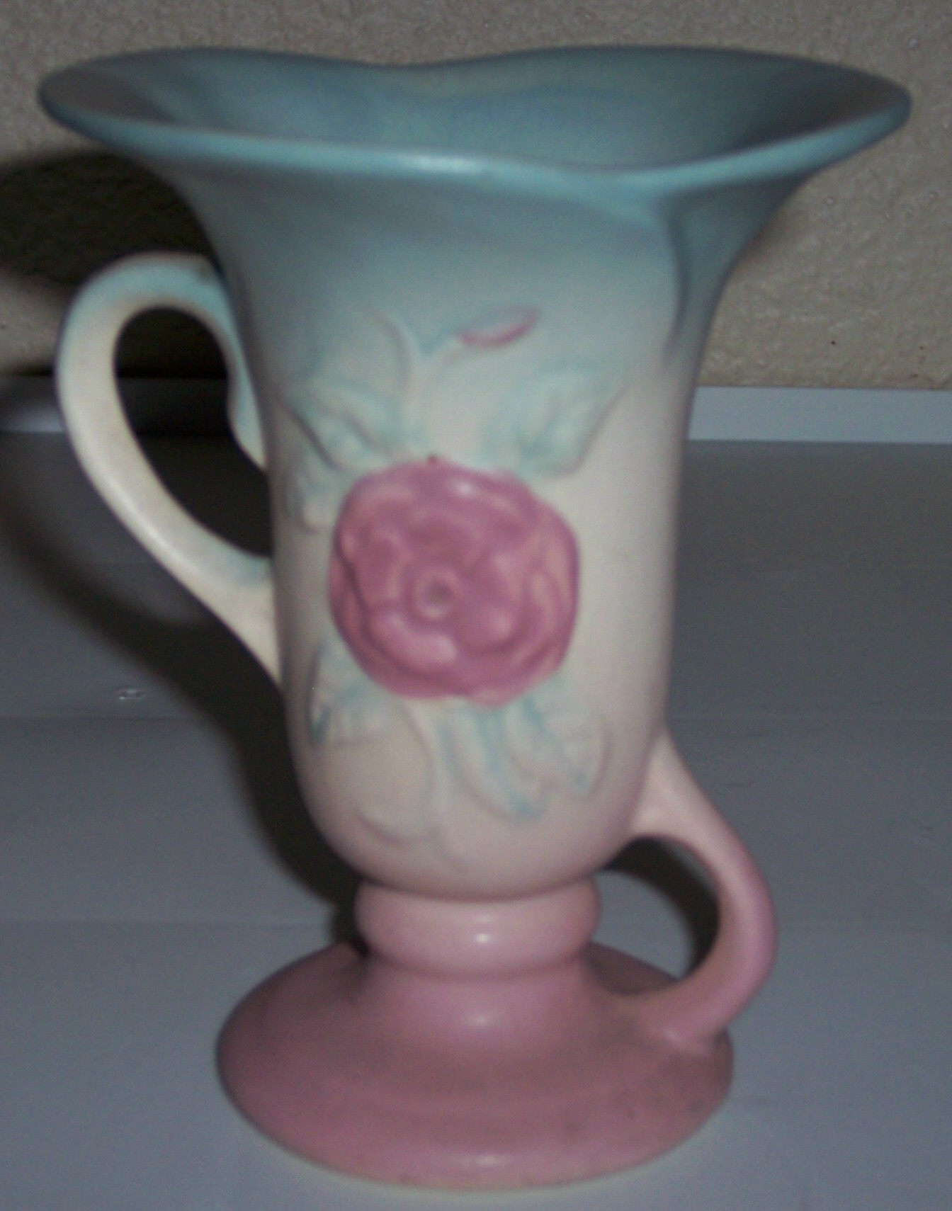 Hull pottery open rose 127 handled vase american art pottery hull pottery open rose 127 handled vase american art pottery at the pottery peddler reviewsmspy