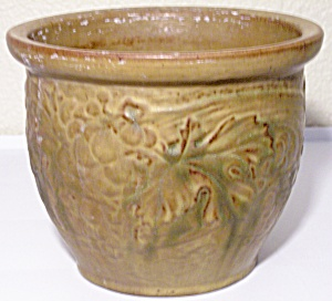 PETERS AND REED POTTERY PERECO GRAPE DESIGN JARDINIERE! (Image1)