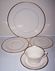 SYRACUSE CHINA OLD IVORY MONTICELLO 5-PC PLACE SETTING! (Image1)