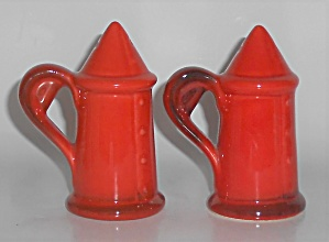 METLOX POTTERY POPPY TRAIL RED ROOSTER SHAKER SET! (Image1)