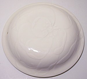 Franciscan Pottery Sculptures White Camellia Cass Lid