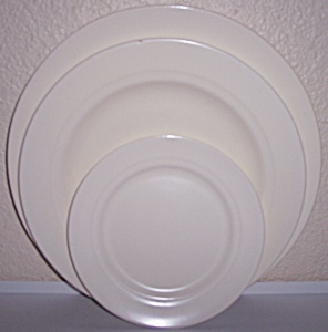 Franciscan Pottery Montecito Satin Ivory Set/3 Plates