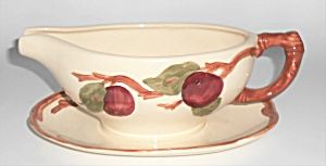 FRANCISCAN POTTERY APPLE U.S.A. GRAVY BOAT! (Image1)