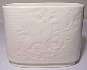 Franciscan Catalina Pottery Encanto Art Ware #609 Ivory (Image1)