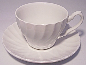 Franciscan Pottery Old Chelsea Cup/saucer Set