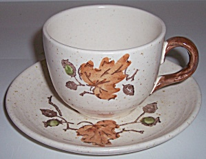 METLOX POPPY TRAIL POTTERY WOODLAND GOLD CUP/SAUCER SET (Image1)