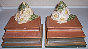 ROSEVILLE POTTERY WHITE ROSE PAIR BOOKENDS! (Image1)