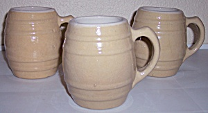 UHL POTTERY EARLY BARREL BEER MUG! MINT! (Image1)