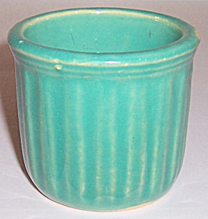 GARDEN CITY POTTERY GREEN RIBBED TINY FLOWER POT! (Image1)