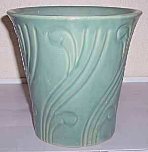 "PACIFIC POTTERY ART DECO 7.5"" GREEN FLOWER POT (Image1)"