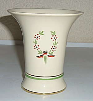 ARABIA POTTERY  FLORAL DECORATED VASE! (Image1)