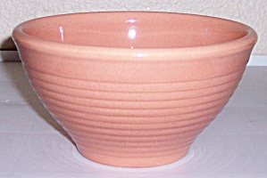 FRANCISCAN POTTERY KITCHEN WARE CORAL MIXING BOWL! (Image1)