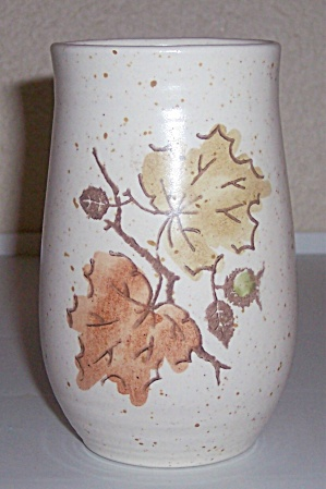 METLOX POPPY TRAIL POTTERY WOODLAND GOLD TUMBLER! (Image1)