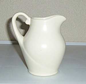 Metlox Pottery Series 200 California Ivory 1 Pt Pitcher