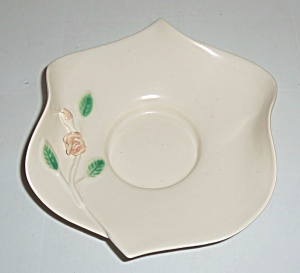 CALIENTE POTTERY WHITE W/RAISED FLORAL ART BOWL! (Image1)