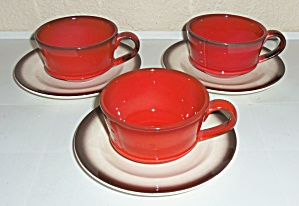 METLOX POTTERY POPPY TRAIL RED ROOSTER 3 CUPS/SAUCERS! (Image1)