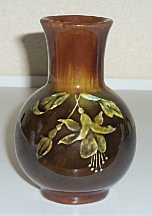 Stockton Art Pottery Small Floral Decorated Vase! (Image1)