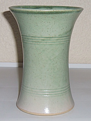 Pacific Pottery Early Green Wheel Thrown Carnation Vase (Image1)