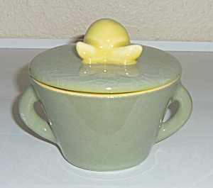 WINFIELD CHINA POTTERY EARLY GREEN/CHARTREUSE SUGAR BOW (Image1)