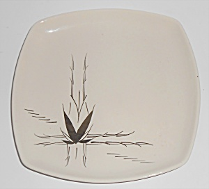 Crestwood China Company Silver Dawn Salad Plate! (Image1)