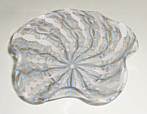 Murano Glass White/Blue Ruffle Rim W/copper Dust Art Bo (Image1)