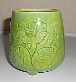 Metlox Pottery Poppy Trail Green 3-Footed Art Vase! (Image1)