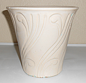 Pacific Pottery Early Art Deco 7-5/8 White Flower Pot! (Image1)
