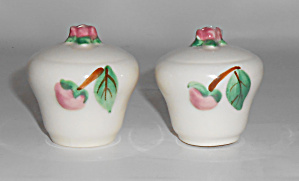 Metlox Pottery Poppy Trail Camellia Salt/Pepper Shakers (Image1)