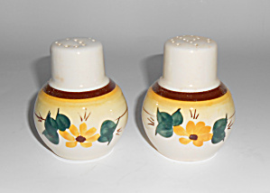 Vernon Kilns Pottery Brown Eyed Susan Salt/Pepper Set! (Image1)
