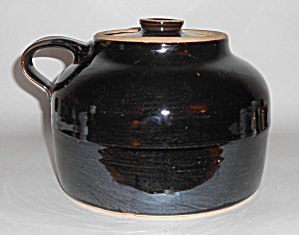 Bauer Pottery Plain Ware Brown 3-Quart Bean Pot W/Lid (Image1)
