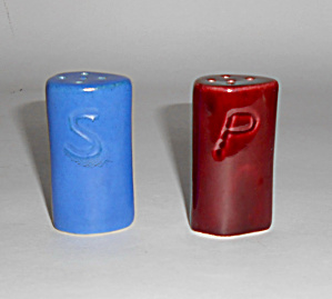 Camark Pottery Red/blue Ship Smokestack Salt/pepper Set