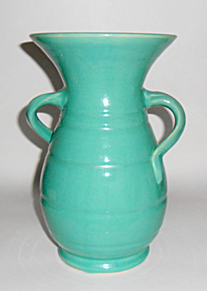 Bauer Pottery Matt Carlton Jade 10in Hands On Hips Vase (Image1)