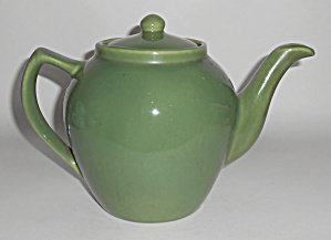 Bauer Pottery Monterey Moderne Olive 6-cup Teapot Mint