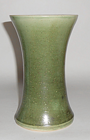 Pacific Stoneware Art Pottery Matte Green 7in Vase Mint
