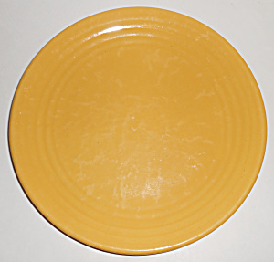 Bauer Pottery Ring Ware Yellow 9-3/8in Plate