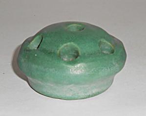 Zanesville Stoneware Pottery Company Matte Green Flower (Image1)