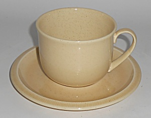 Franciscan Pottery Sculptures Sand Primary Cup & Saucer (Image1)