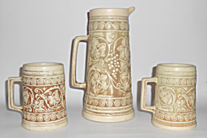 Weller Pottery Ivory Grape Tankard & Pair Mugs! (Image1)