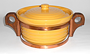 Bauer Pottery Ring Ware 7in Yellow Casserole W/rack