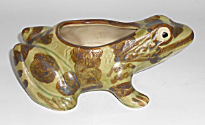 Brush Mccoy Pottery #b823 Frog Figurine